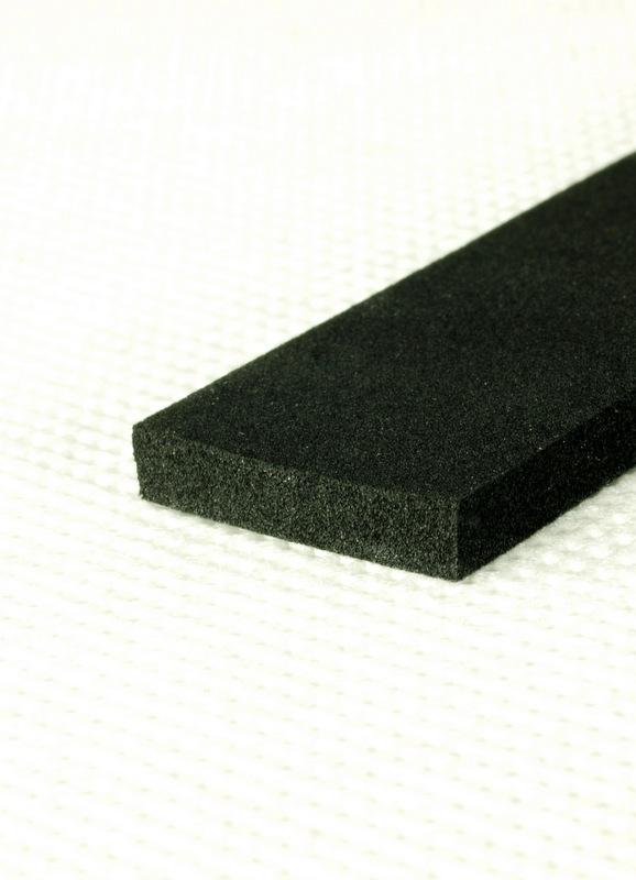 Uszczelka olejoodporna samoprzylepna 10x3mm czarna (250m) dla przemysłu